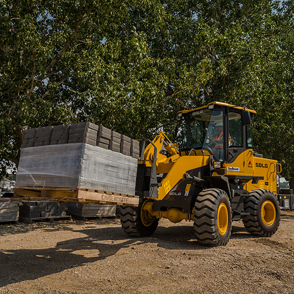 SDLG-L918F-Front-End-Loader-Landscaping-Block-Handling