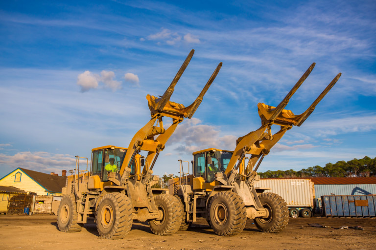 Florida's Ace Pick A Part runs a fleet of SDLG loaders for auto salvage and recycling