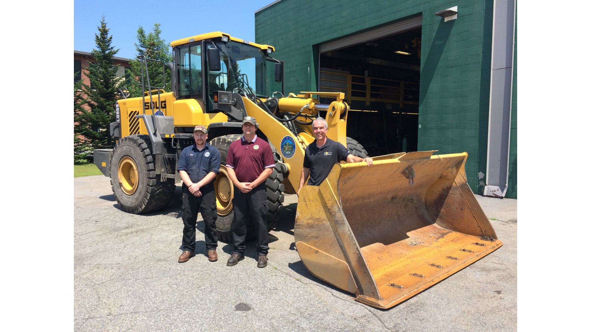 Wheel loader with reliable and intuitive design wins over municipal owners