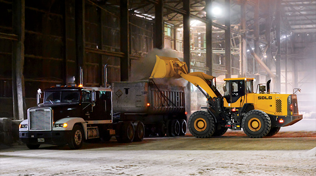 Wheel loader reliability doesn't have to come at a premium price